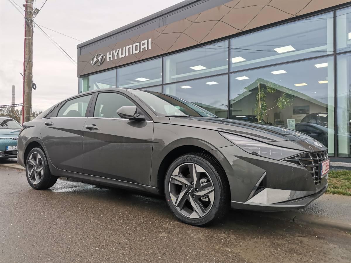 NOUL ELANTRA 1.6 123CP CVT Exclusive : Hyundai Elantra